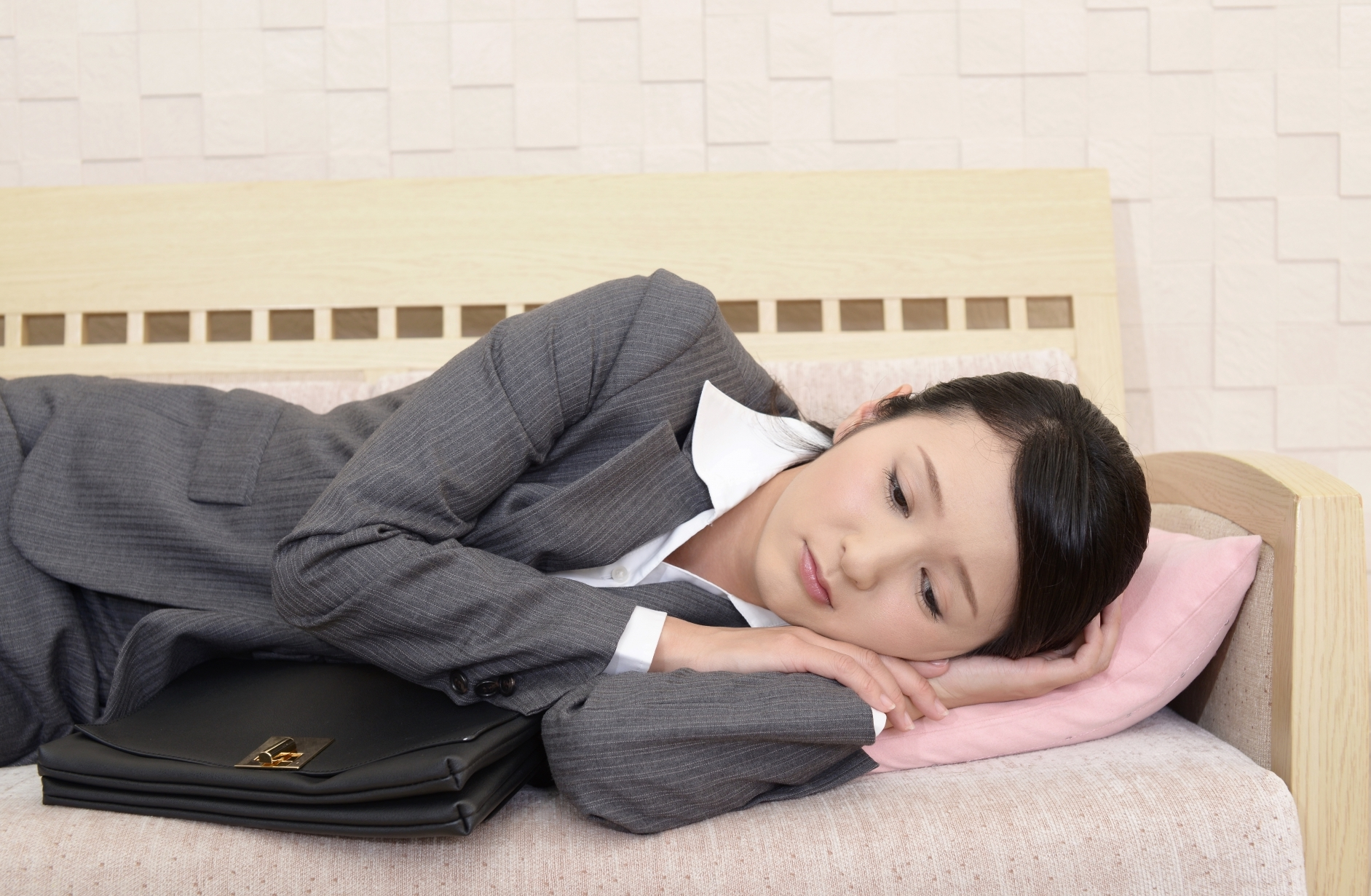毎朝憂鬱で家にいたい!会社・仕事に行きたくない時の気持ちの整理と対処法